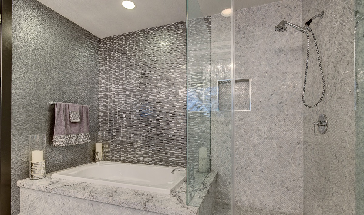 Unit 1407 Panorama Towers | Primary Suite Bathroom